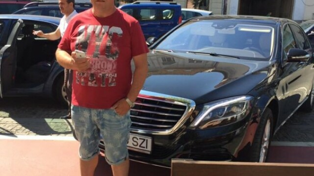 Unde si-a parcat bolidul de lux un consilier din Cluj. Reactia nervoasa a acestuia cand i s-a atras atentia: \