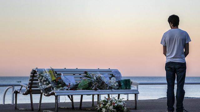 Suferinta barbatului care si-a pierdut aproape toata familia in atentatul de la Nisa: \