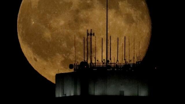 Luna plina: imagine surprinsa in Kansas City, SUA