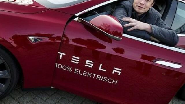 Elon Musk își vinde visul. Decizie neașteptată în legătură cu Tesla