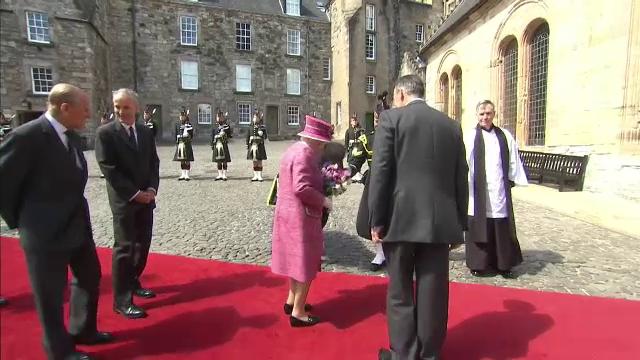 Regina Elisabeta a II-a a trecut printr-o experienta inedita, in Scotia. Ce s-a intamplat cand s-a apropiat de un ponei