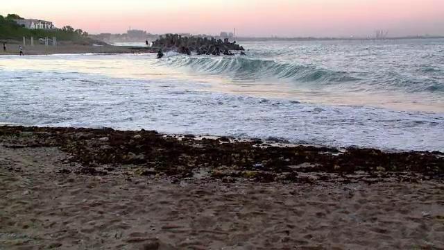 Grenada defensiva gasita in mare, in zona Cazinoului din Constanta. Un scafandru militar a cerut ajutorul specialistilor
