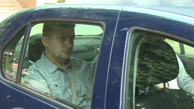 Un sofer din Arges a ajuns dupa gratii din cauza unui mesaj postat pe Facebook. Ce a scris despre o politista - Imaginea 2