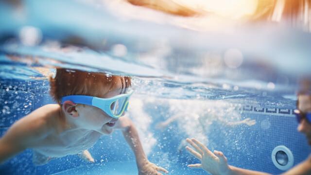 Motivul pentru care unui bărbat i s-a interzis să intre în piscină:,,Mi-a distrus vacanța\