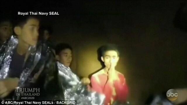 Povestea micului erou din peşteră. Băiatul a fost singurul capabil să vorbească în engleză cu salvatorii