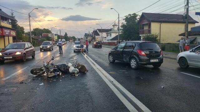 Accident rutier la Pitești. Femeie acroșată de un motociclist