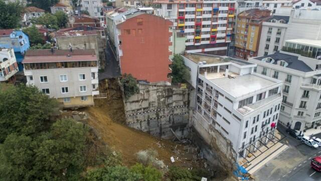 Clădire prăbușită la Istanbul