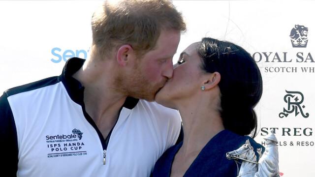 Meghan Markle îl sărută pe Prințul Harry în public, după un meci de polo
