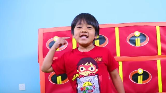 La 6 ani e celebru pe Youtube și va avea propriul brand de produse într-un lanț de magazine