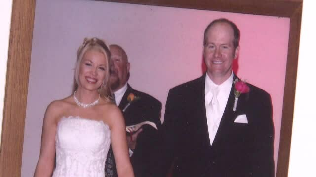 A obţinut daune de 9 milioane de dolari de la amantul soţiei sale pentru că i-a distrus căsnicia