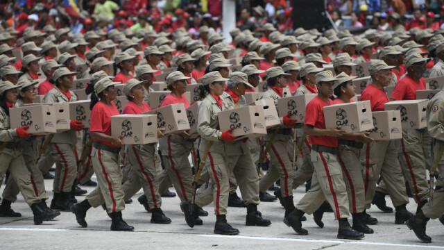 Paradă militară impresionantă organizată de Maduro în Venezuela - Imaginea 9