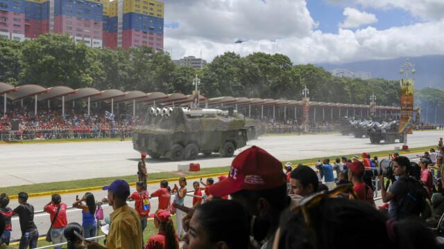 Paradă militară impresionantă organizată de Maduro în Venezuela - Imaginea 6
