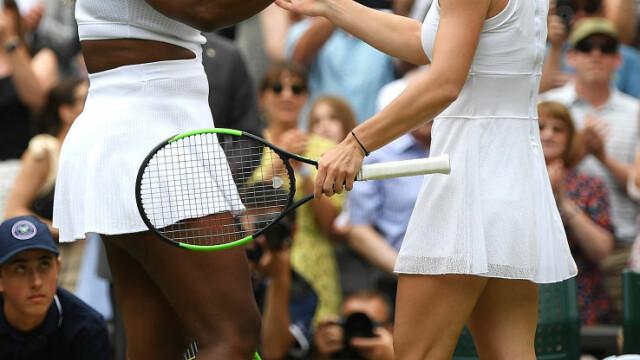 Primele imagini cu Simona Halep cu trofeul de la Wimbledon. GALERIE FOTO - Imaginea 10