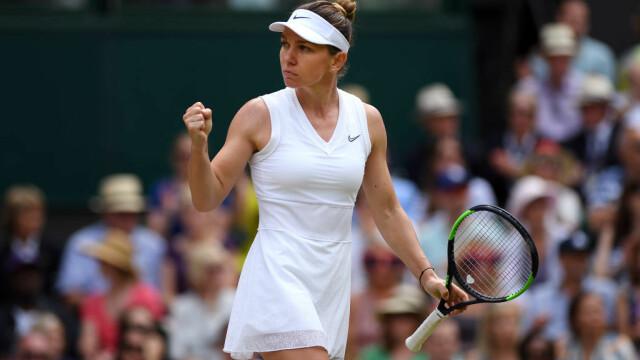 Primele imagini cu Simona Halep cu trofeul de la Wimbledon. GALERIE FOTO - Imaginea 6