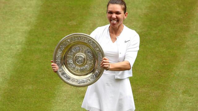 Primele imagini cu Simona Halep cu trofeul de la Wimbledon. GALERIE FOTO - Imaginea 22