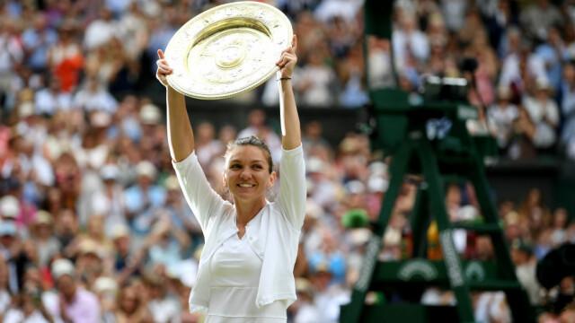 Primele imagini cu Simona Halep cu trofeul de la Wimbledon. GALERIE FOTO - Imaginea 14