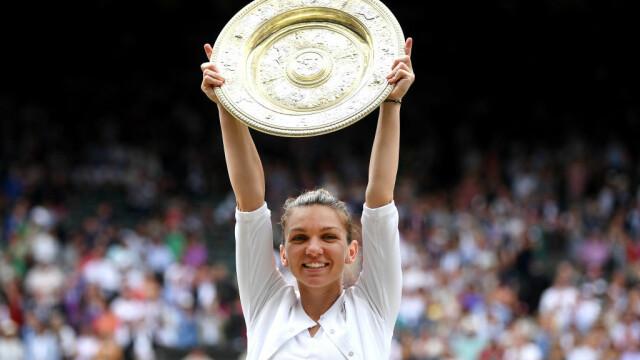 Primele imagini cu Simona Halep cu trofeul de la Wimbledon. GALERIE FOTO - Imaginea 13