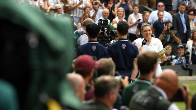 Primele imagini cu Simona Halep cu trofeul de la Wimbledon. GALERIE FOTO - Imaginea 17