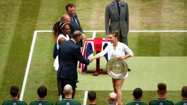 Primele imagini cu Simona Halep cu trofeul de la Wimbledon. GALERIE FOTO - Imaginea 20
