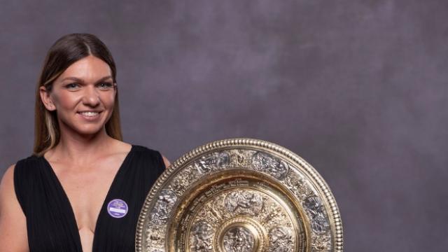 Cum a apărut Simona Halep alături de Novak Djokovic la Balul Campionilor de la Wimbledon - Imaginea 1