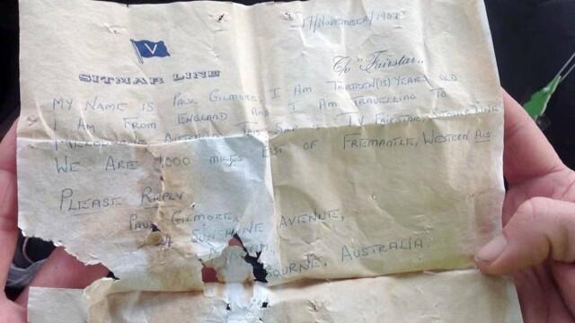 Un copil a găsit pe plajă o sticlă cu un bilet vechi de 50 de ani: ″Răspundeţi, vă rog″ - Imaginea 3