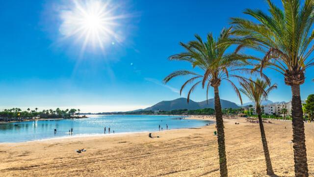 Clipe de coșmar pentru două turiste, pe o populară plajă din Mallorca
