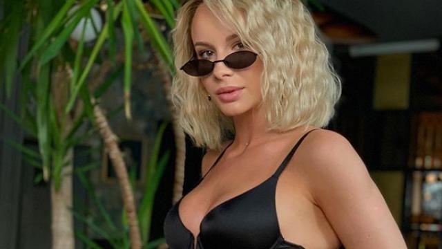 Sandra Izbașa, de nerecunoscut după ce s-a lăsat de gimnastică. Cum a pozat pentru fani - Imaginea 1