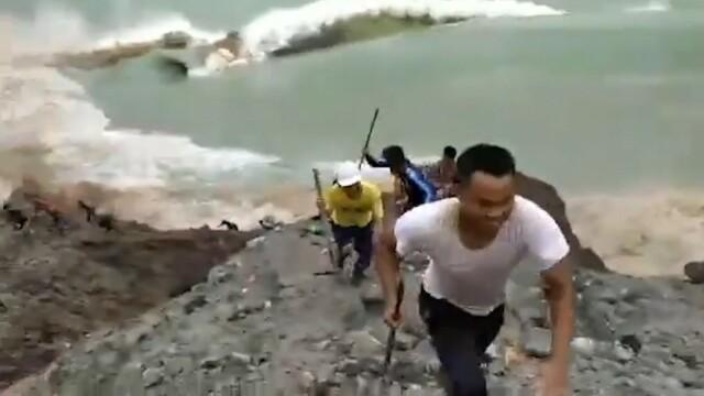 Momentul în care s-a prăbușit mina de jad din Myanmar. Cel puțin 162 de oameni au murit - Imaginea 1