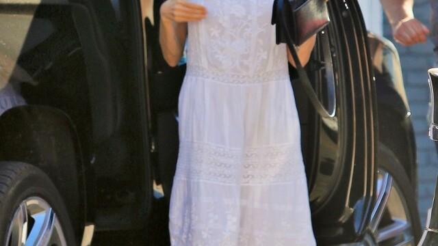 Angelina Jolie, pentru prima dată în public, după luni de zile. Cum arată acum actrița. GALERIE FOTO - Imaginea 7