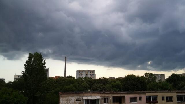 Record istoric de avertizări Cod roşu în România. Cum va fi vremea în iulie și august - Imaginea 2