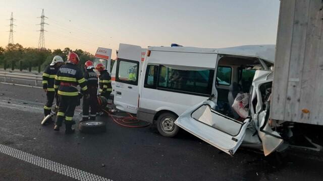 Accident grav pe A1. O femeie a murit, iar soțul și cei 3 copii au fost răniți. GALERIE FOTO - Imaginea 7