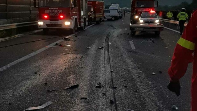 Accident grav pe A1. O femeie a murit, iar soțul și cei 3 copii au fost răniți. GALERIE FOTO - Imaginea 4