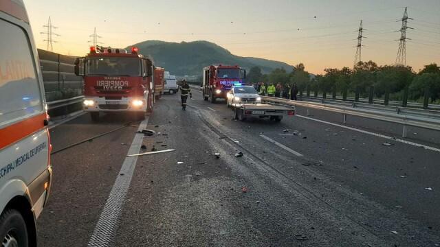 Accident grav pe A1. O femeie a murit, iar soțul și cei 3 copii au fost răniți. GALERIE FOTO - Imaginea 2