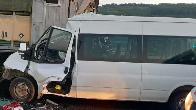 Accident grav pe A1. O femeie a murit, iar soțul și cei 3 copii au fost răniți. GALERIE FOTO - Imaginea 1