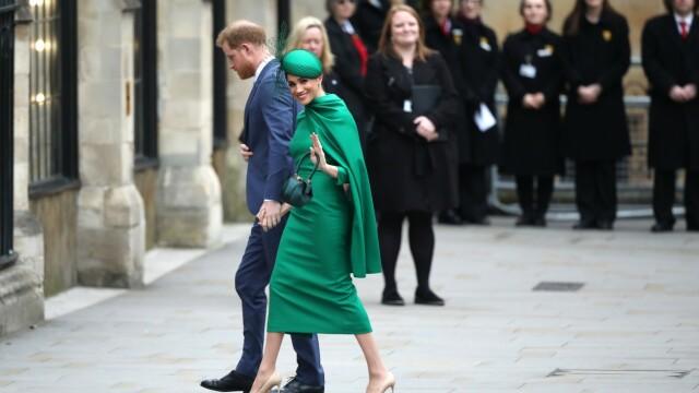 Meghan Markle și Prințul Harry, imposibil de recunoscut. Cum au fost surprinși pe stradă - Imaginea 1