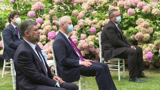 Ciolacu a fost singurul politician fără mască la recepția organizată la Ambasada Franței - Imaginea 1