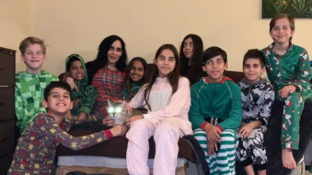 Cum arată octomama Nadya Suleman, la 11 ani după ce a născut cei 8 copii. Are 14 în total! - Imaginea 3