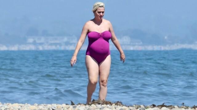 Cum arată Katy Perry înainte să nască. Cântăreața de 35 de ani a fost surprinsă la plajă. GALERIE FOTO - Imaginea 7