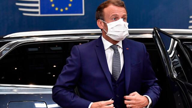 Summit UE la Bruxelles. Distanțare socială, măști sanitare personalizate și saluturi inedite - Imaginea 2