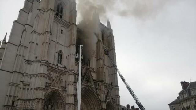 incendiu catedrala nantes