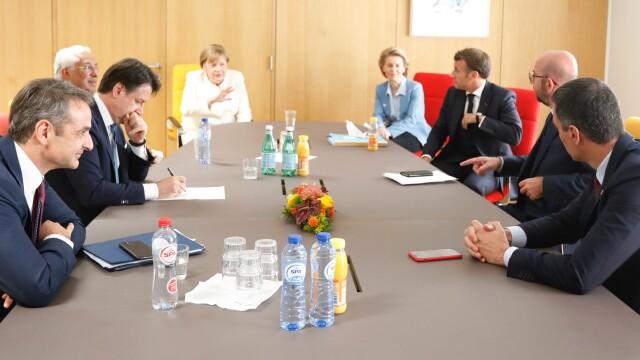 Iohannis, fotografiat fără mască la summit-ul UE. Explicațiile Administrației Prezidențiale - Imaginea 9