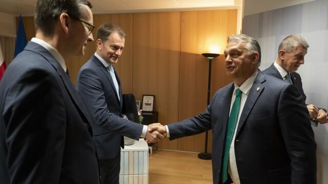 Iohannis, fotografiat fără mască la summit-ul UE. Explicațiile Administrației Prezidențiale - Imaginea 11