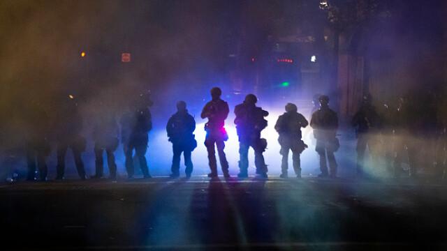 Black Lives Matter. Mii de oameni protestează în Portland față de prezența agenților federali - Imaginea 6