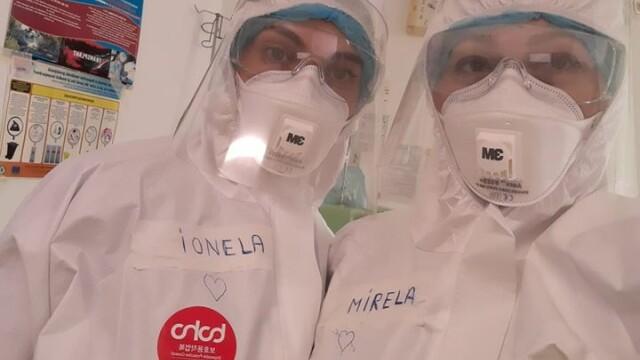 Imagini greu de privit cu medicii care poartă combinezoane anti Covid-19. Cum arată mâinile lor - Imaginea 9