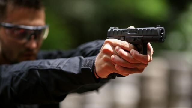 25.000 de pistoale noi pentru polițiștii de la Brigada Rutieră și de la Ordinea Publică
