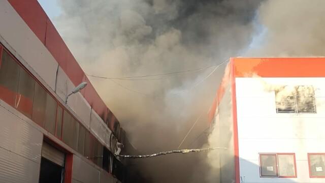 Incendiu puternic la 2 hale din Bragadiru. A fost emis un mesaj RO-Alert - Imaginea 2