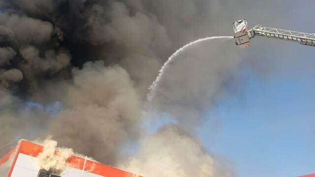 Incendiu puternic la 2 hale din Bragadiru. A fost emis un mesaj RO-Alert - Imaginea 3