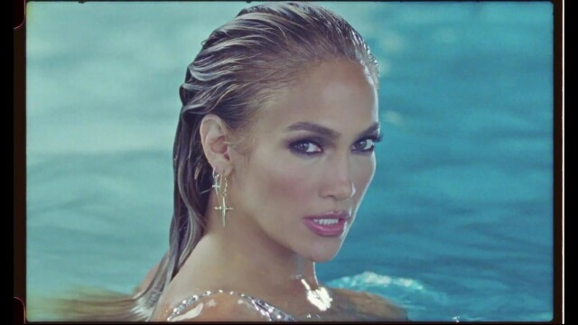 Jennifer Lopez, în ipostaze incendiare într-un nou videoclip. Mesajul ascuns din versuri - Imaginea 2