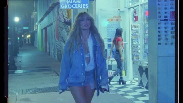 Jennifer Lopez, în ipostaze incendiare într-un nou videoclip. Mesajul ascuns din versuri - Imaginea 4