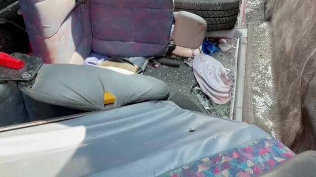 Un microbuz cu nouă persoane s-a răsturnat pe A1. A fost chemat un elicopter SMURD. VIDEO - Imaginea 5